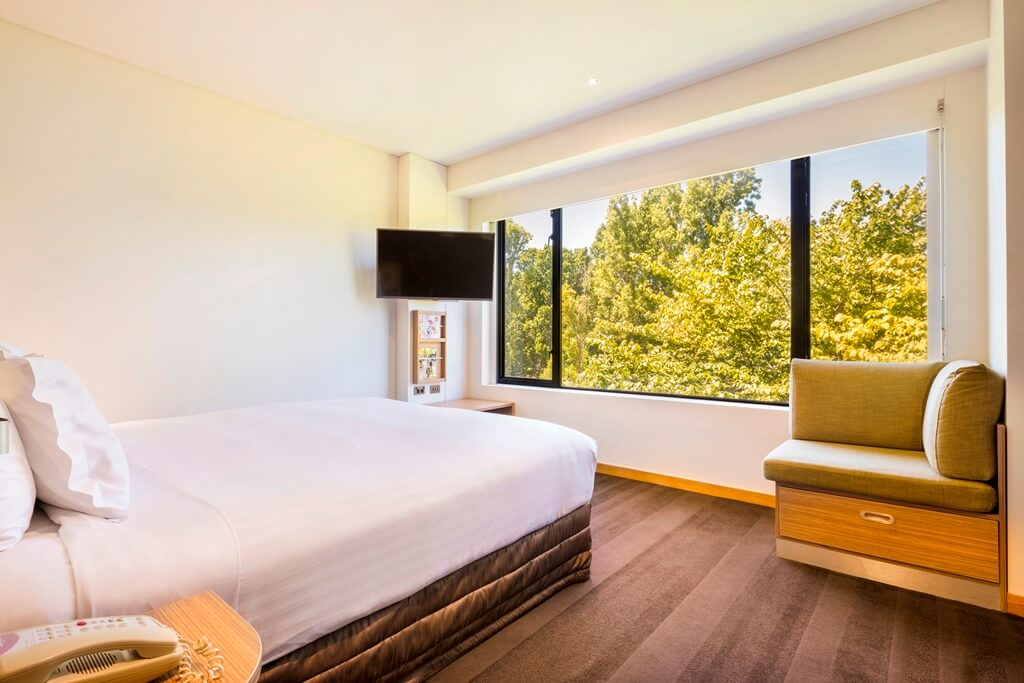 Banner Image_Deluxe_Park_View_Room