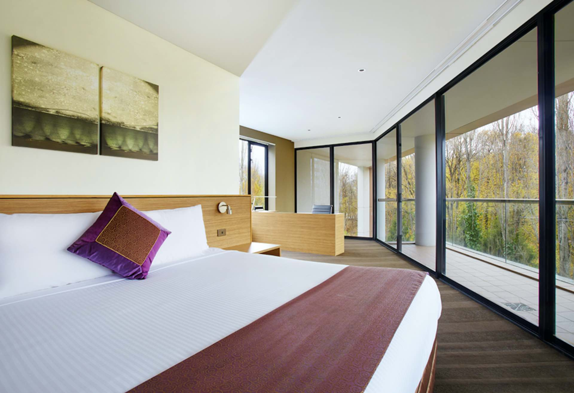 Presidential Suite Accommodation | Crowne Plaza Canberra