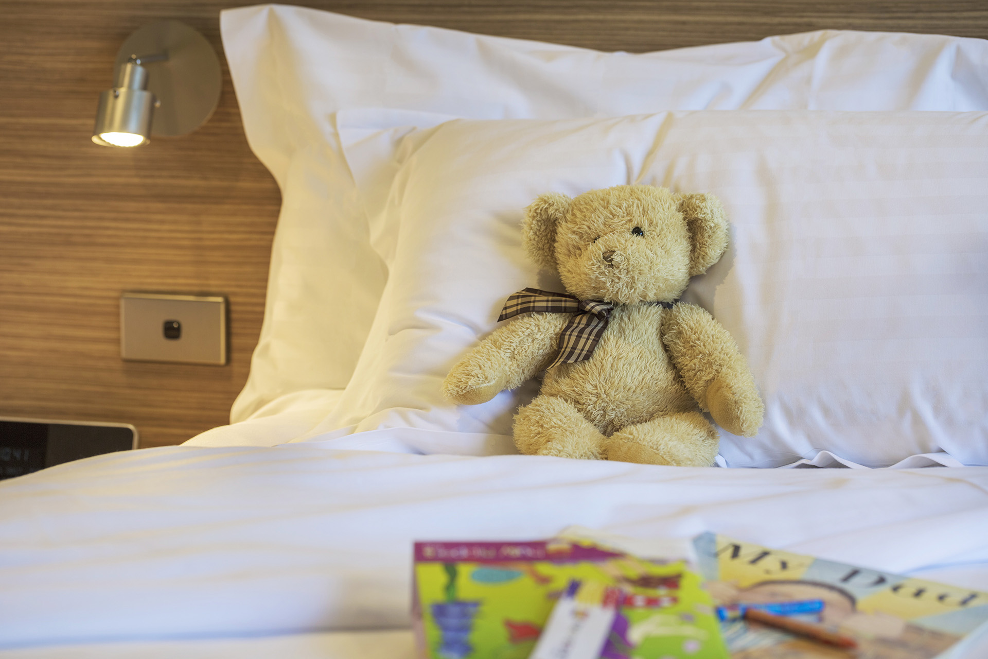 Crowne_Plaza_Canberra_Lifestyle_Family_Stay