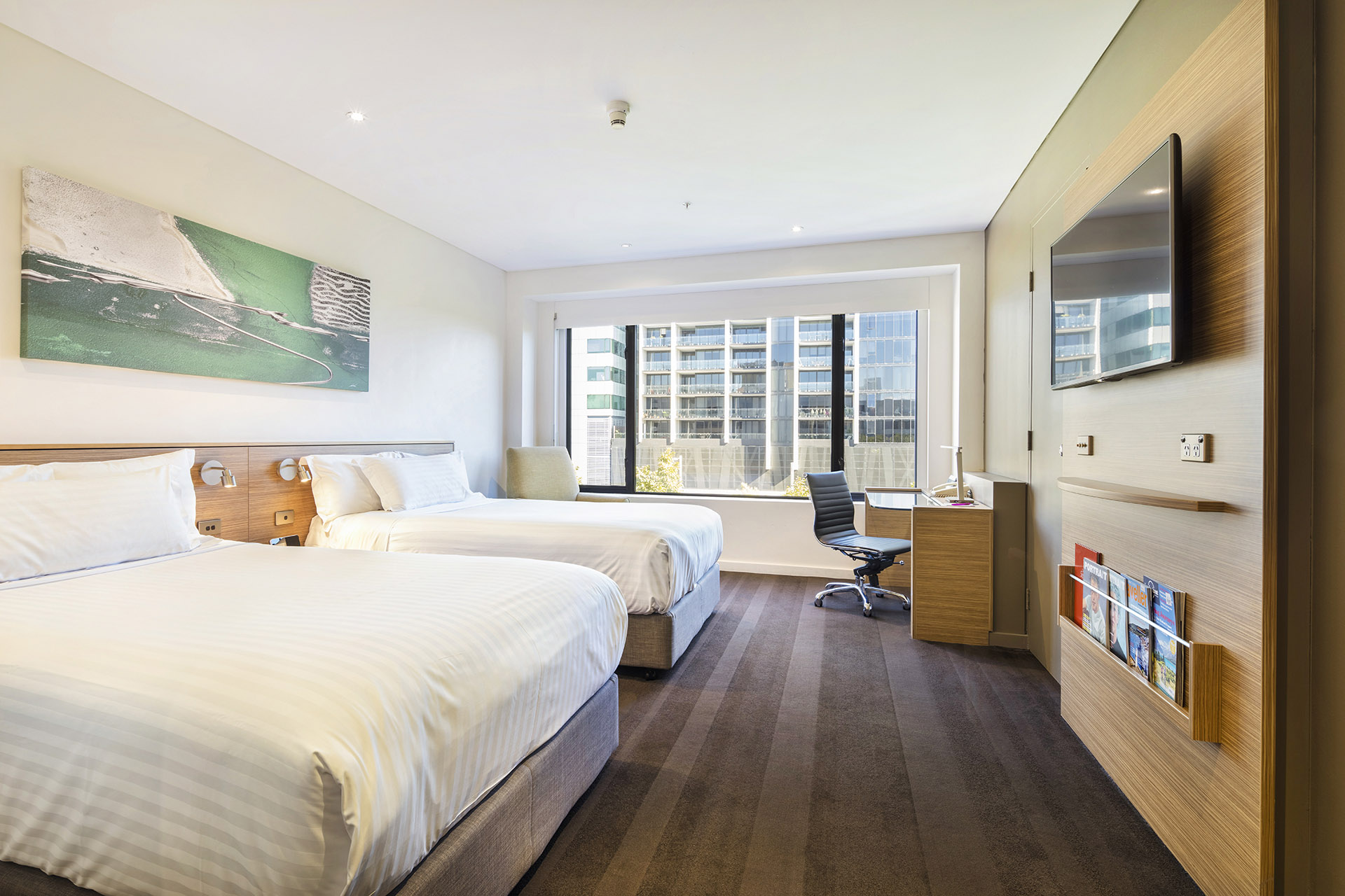 Superior accommodation room | Twin Bed | Crowne Plaza Canberra