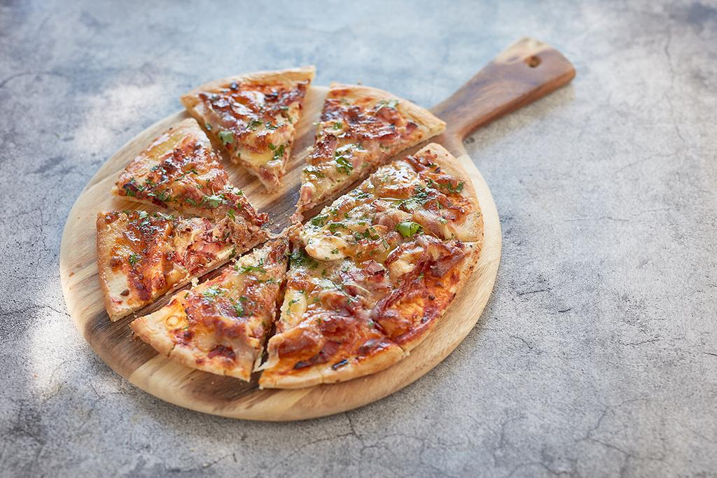 Meat lover's pizza | lamb, ham, chicken, pepperoni, mozzarella cheese and tomato